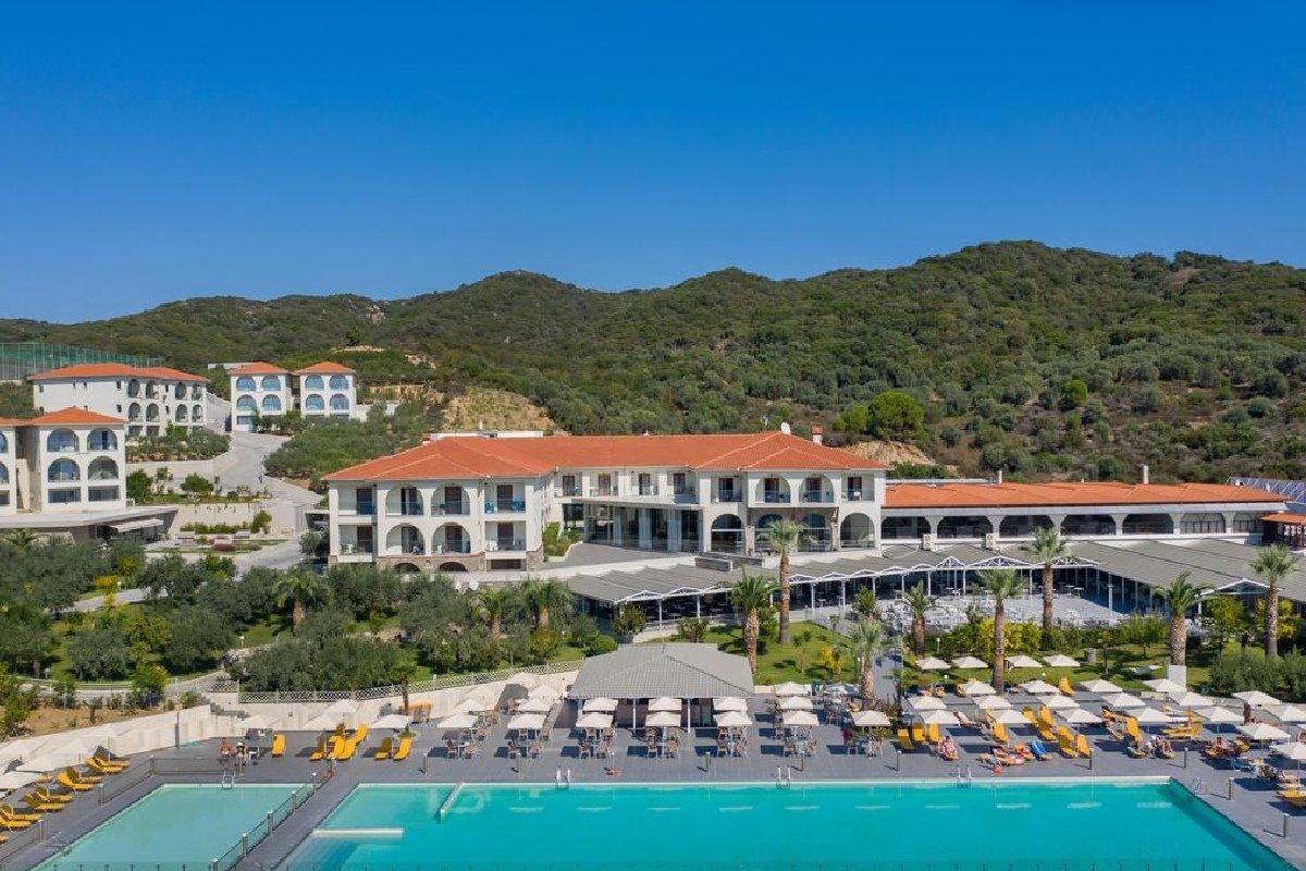 Hotel Akrathos Beach panorama