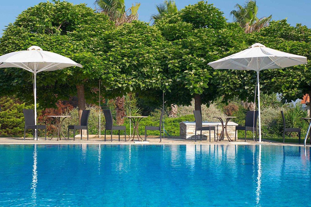 Hotel Lily Ann Village