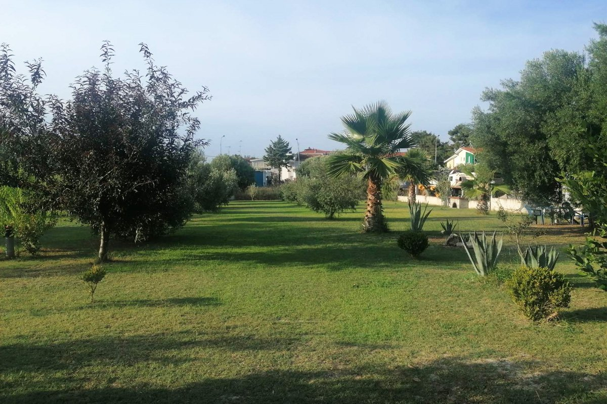 Dvorište vila Frossaki