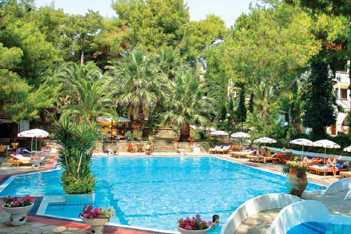 Hotel Porfi Beach-bazen
