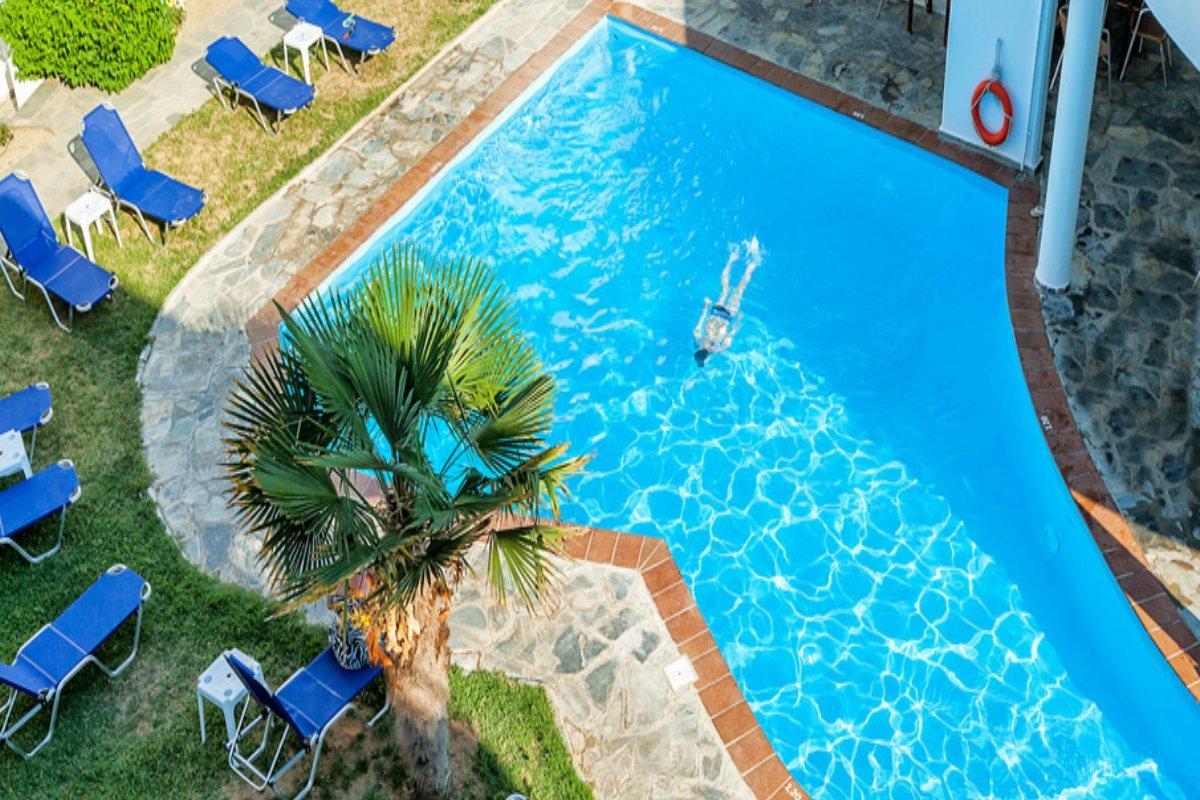 Hotel Xenios Dolphin Beach bazen