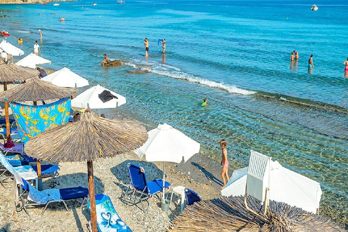 Hotel Xenios Dolphin Beach plaža