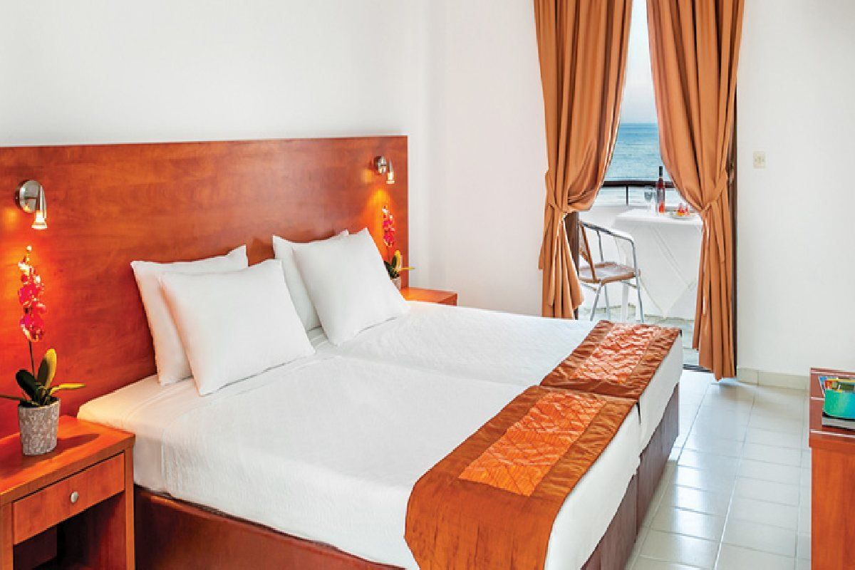 Hotel Xenios Dolphin Beach soba