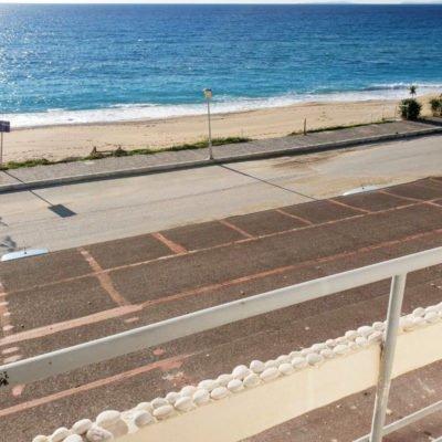 Vila Barbagianis, pogled na plažu
