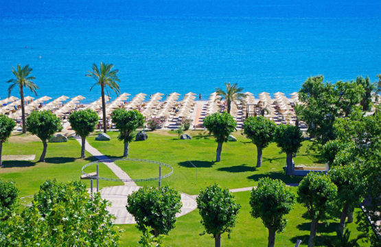 Cronwell Platamon Resort Hotel