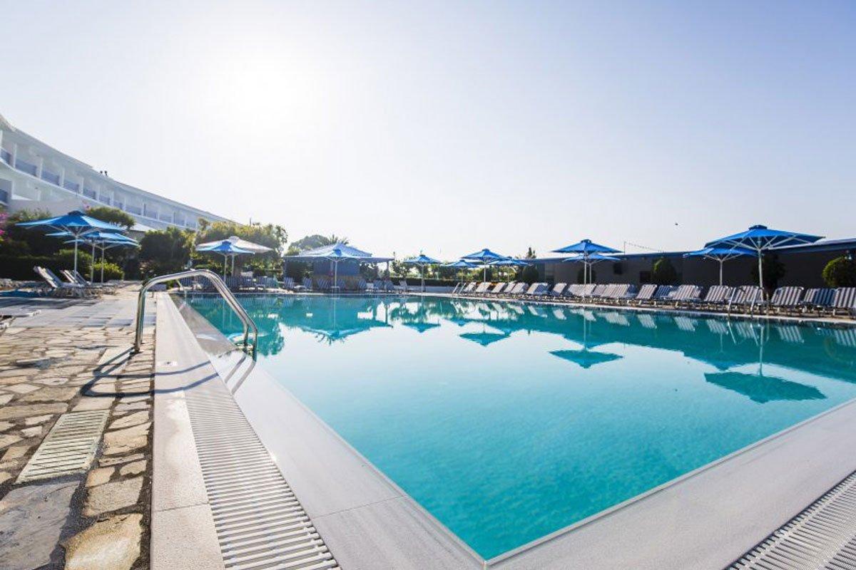 Delphi Beach hotel bazen