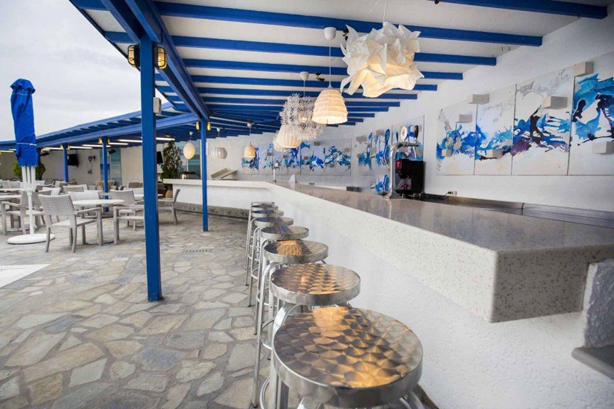 Delphi Beach hotel beach bar