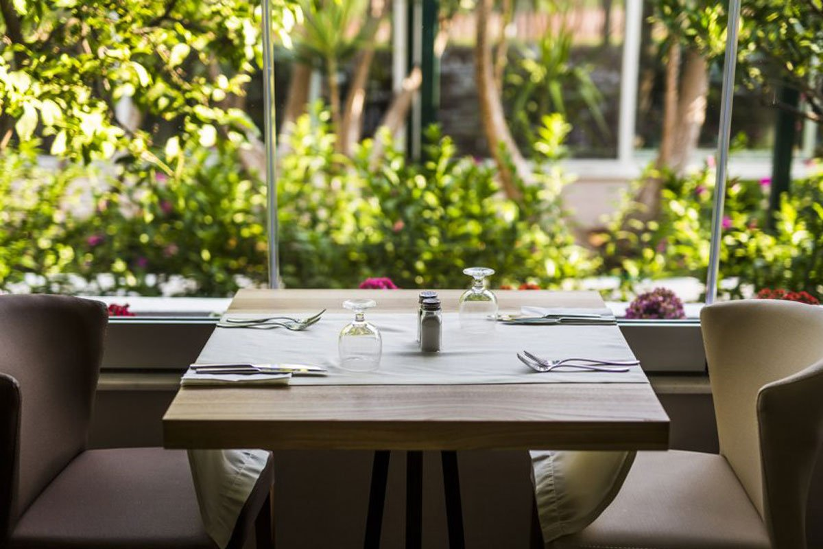 Delphi Beach hotel restoran