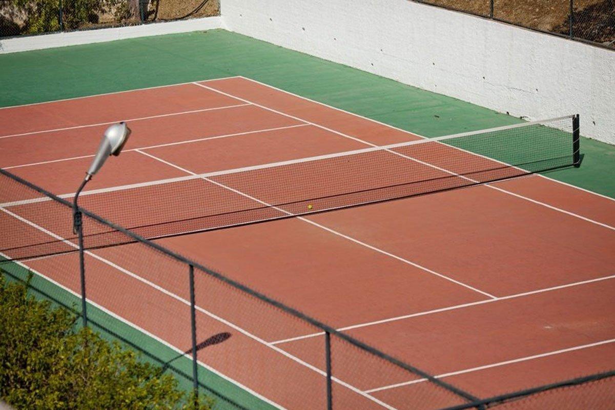Delphi Beach hotel teniski teren