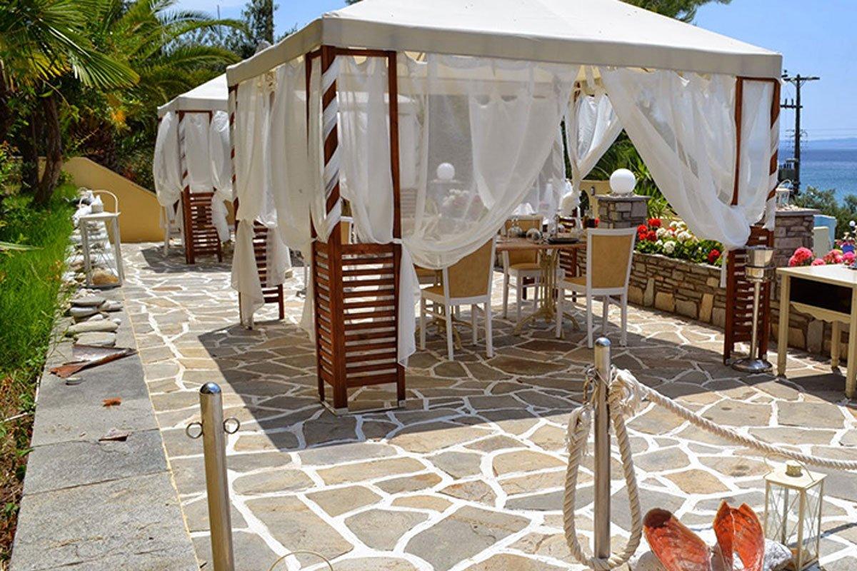 Elea Beach Hotel bar