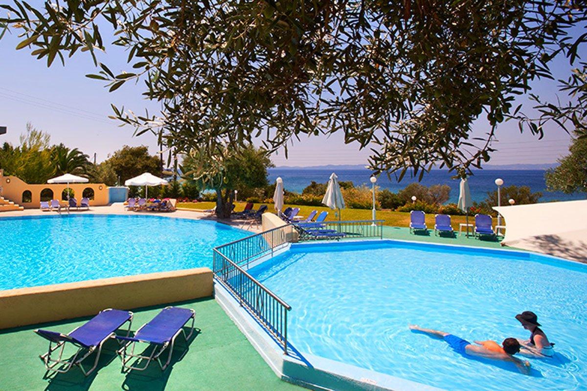 Elea Beach Hotel bazen
