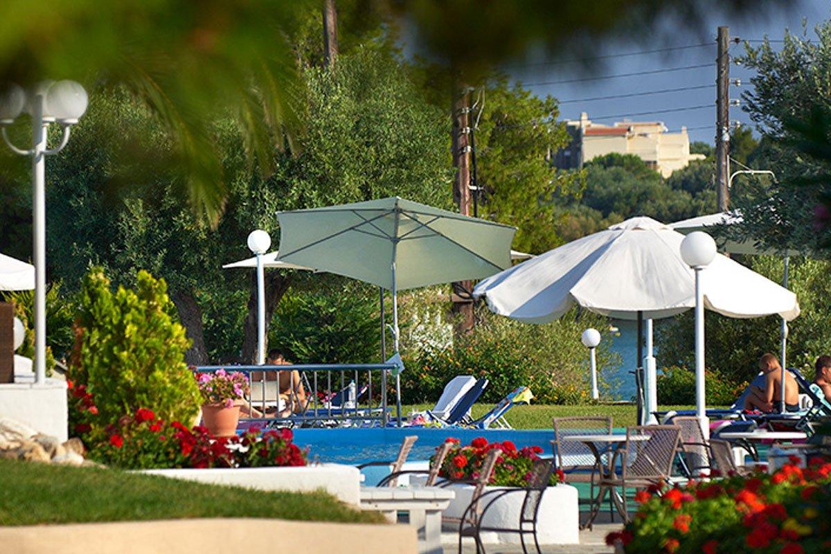 Elea Beach Hotel dvorište