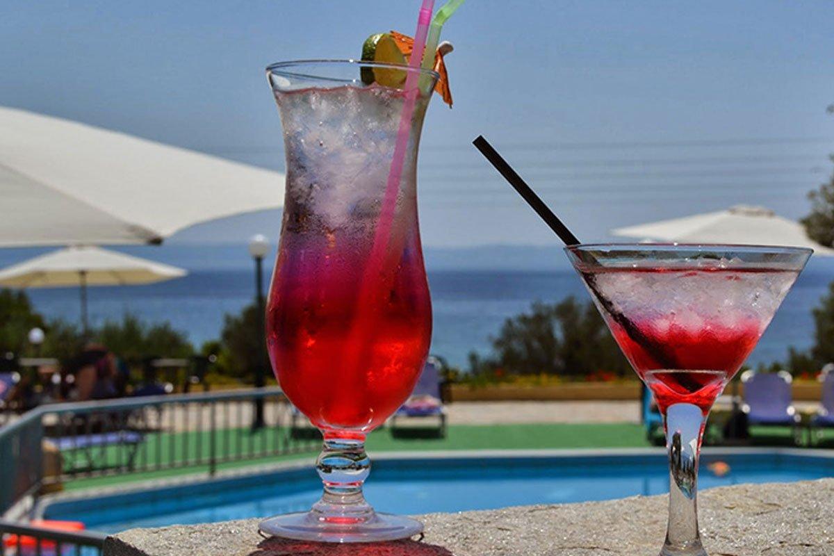 Elea Beach Hotel koktel bar