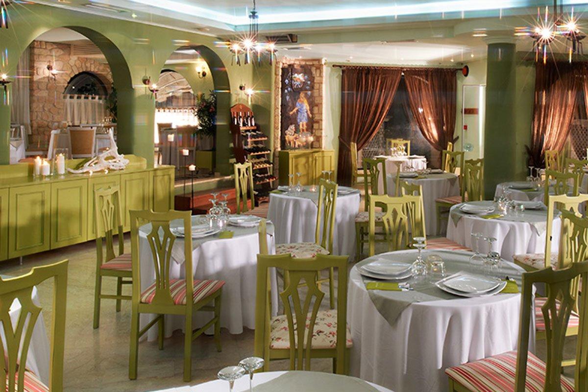 Athena Palace Village restoran