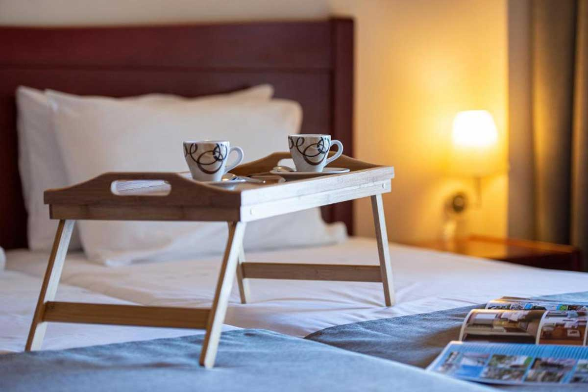 Hotel Lesse room service