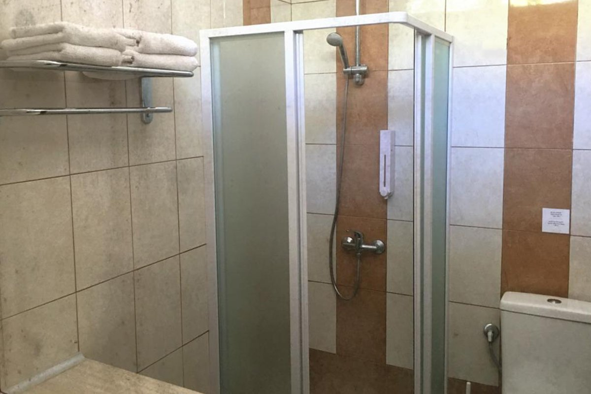 Plataria Seaside Resort kupatilo