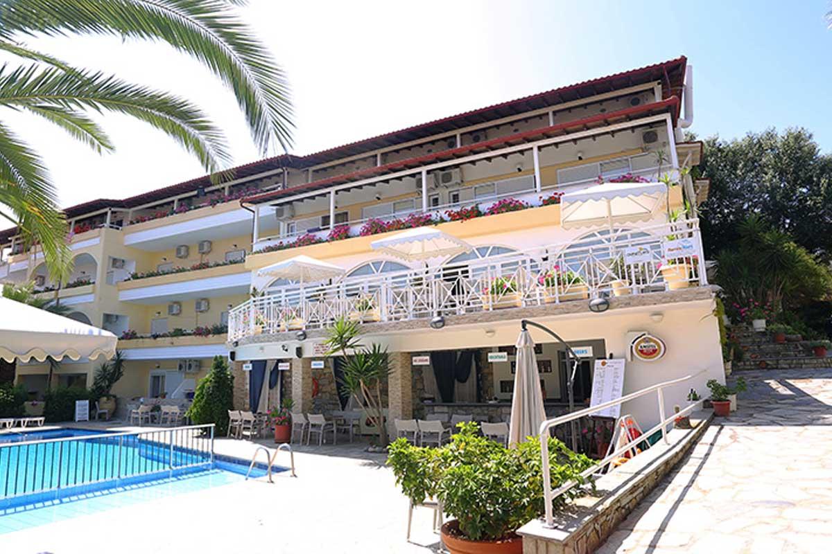 Tropical hotel rezervacije