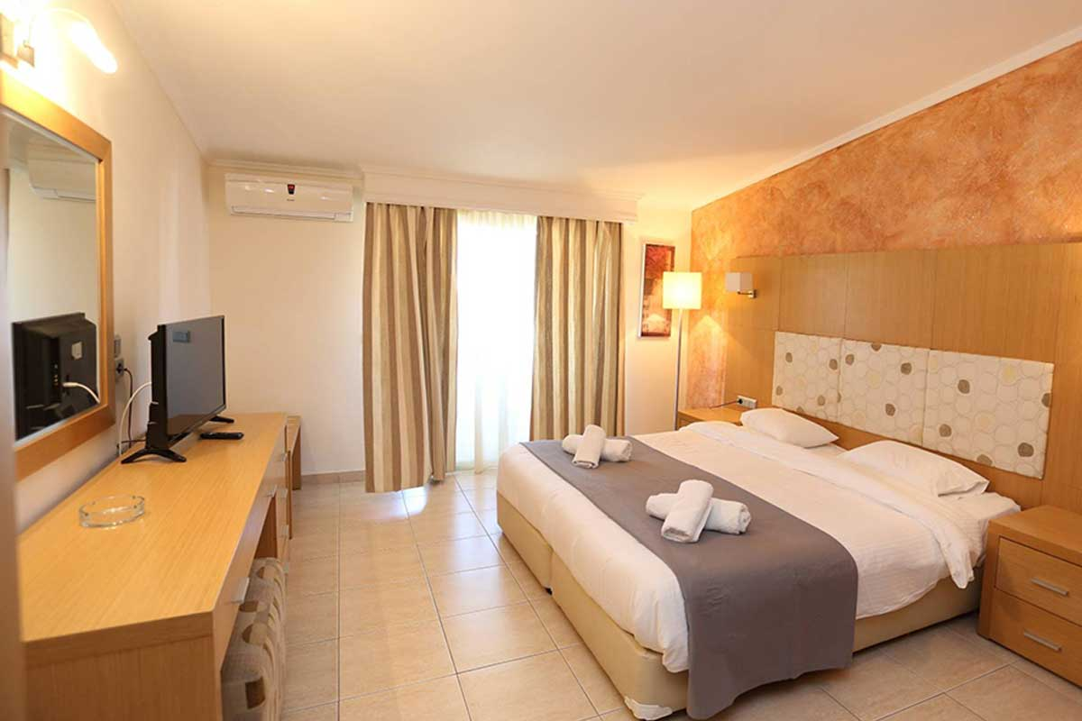 Tropical hotel soba