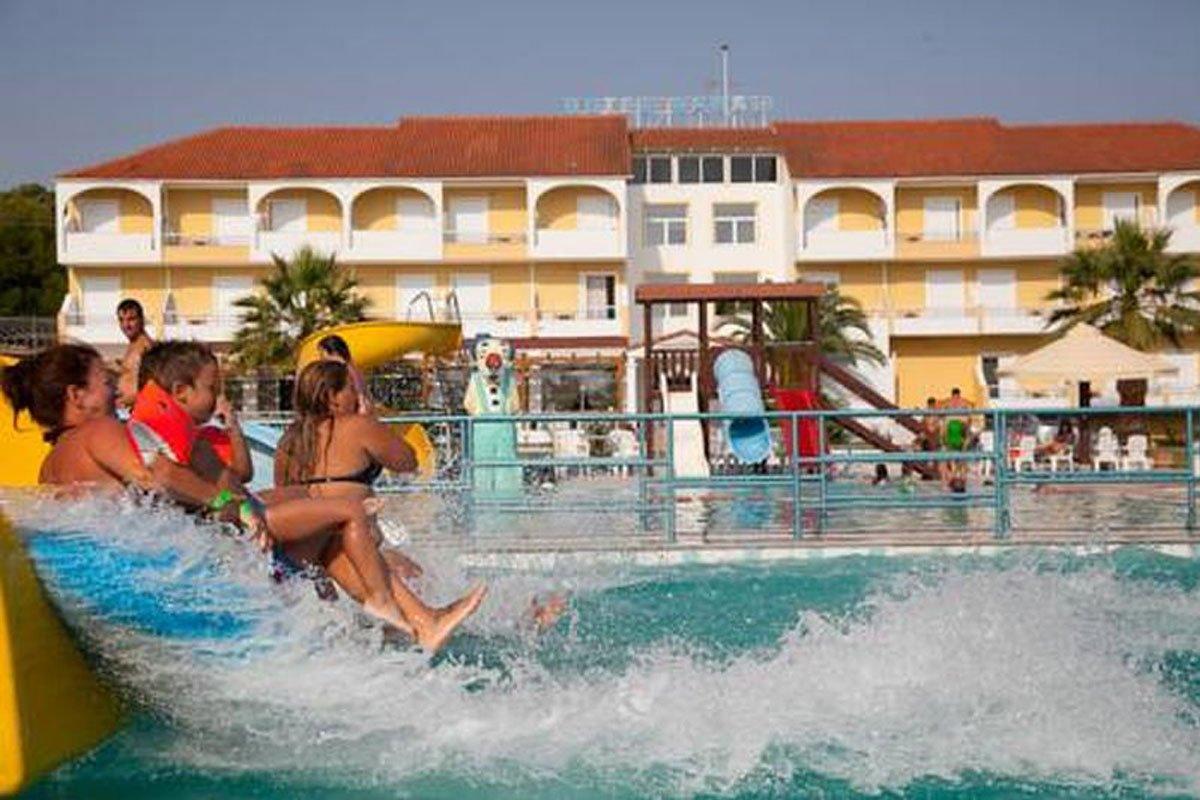 Kanali Beach Hotel leto Grčka