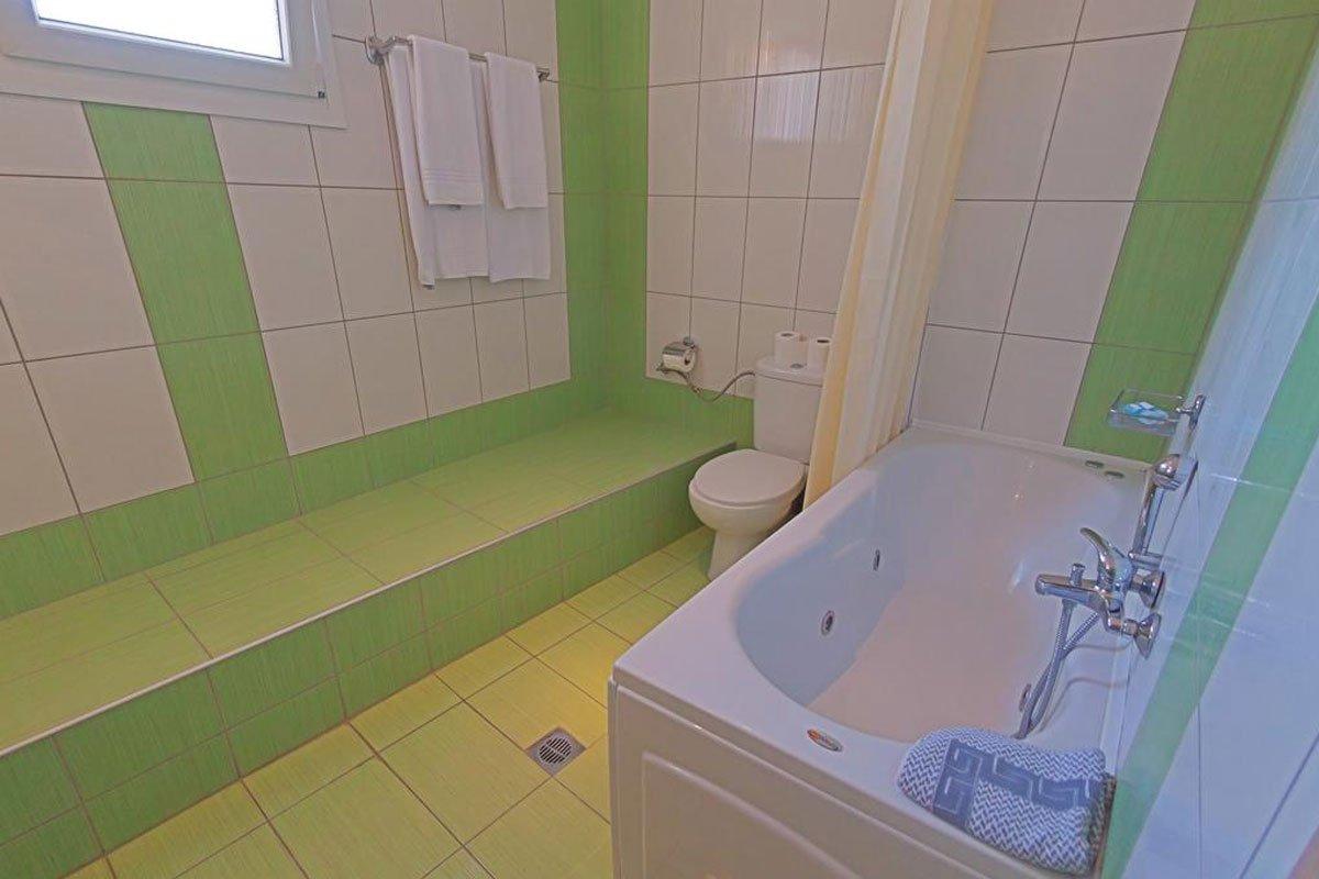 Grand Platon hotel kupatilo
