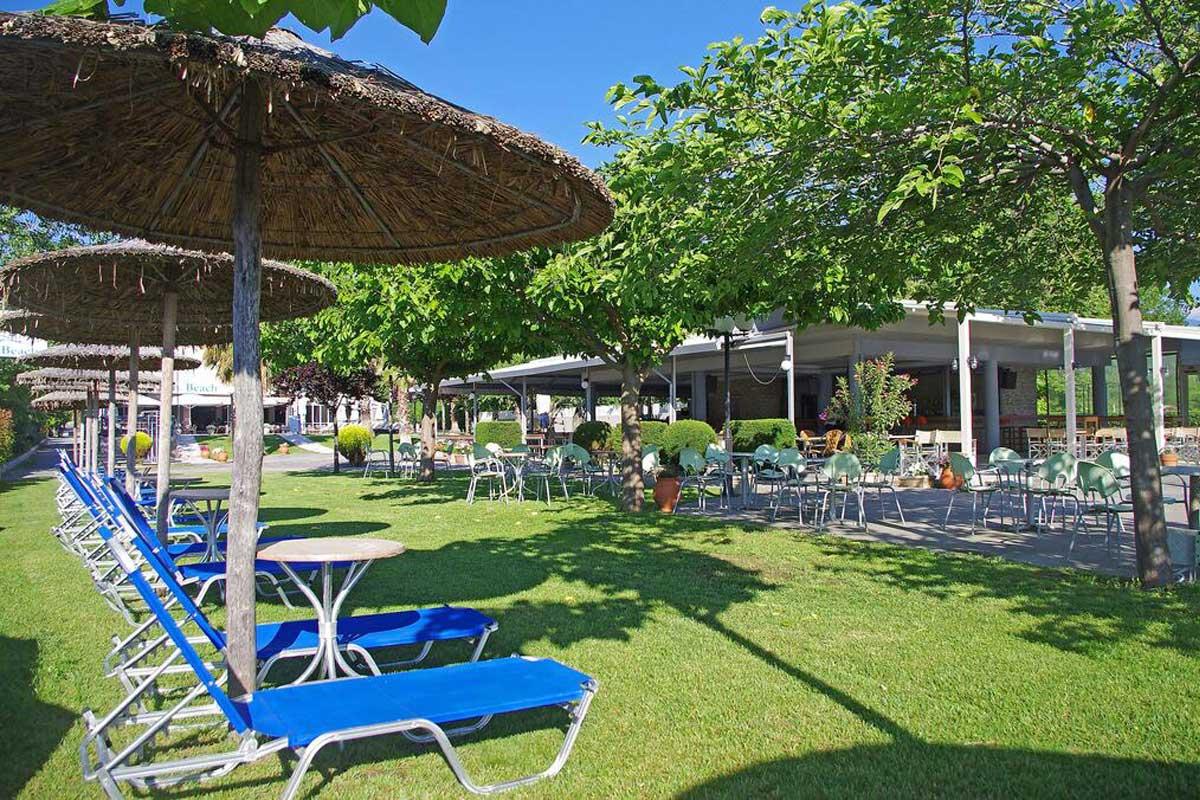 Hotel Sun Beach ležaljke i suncobrani