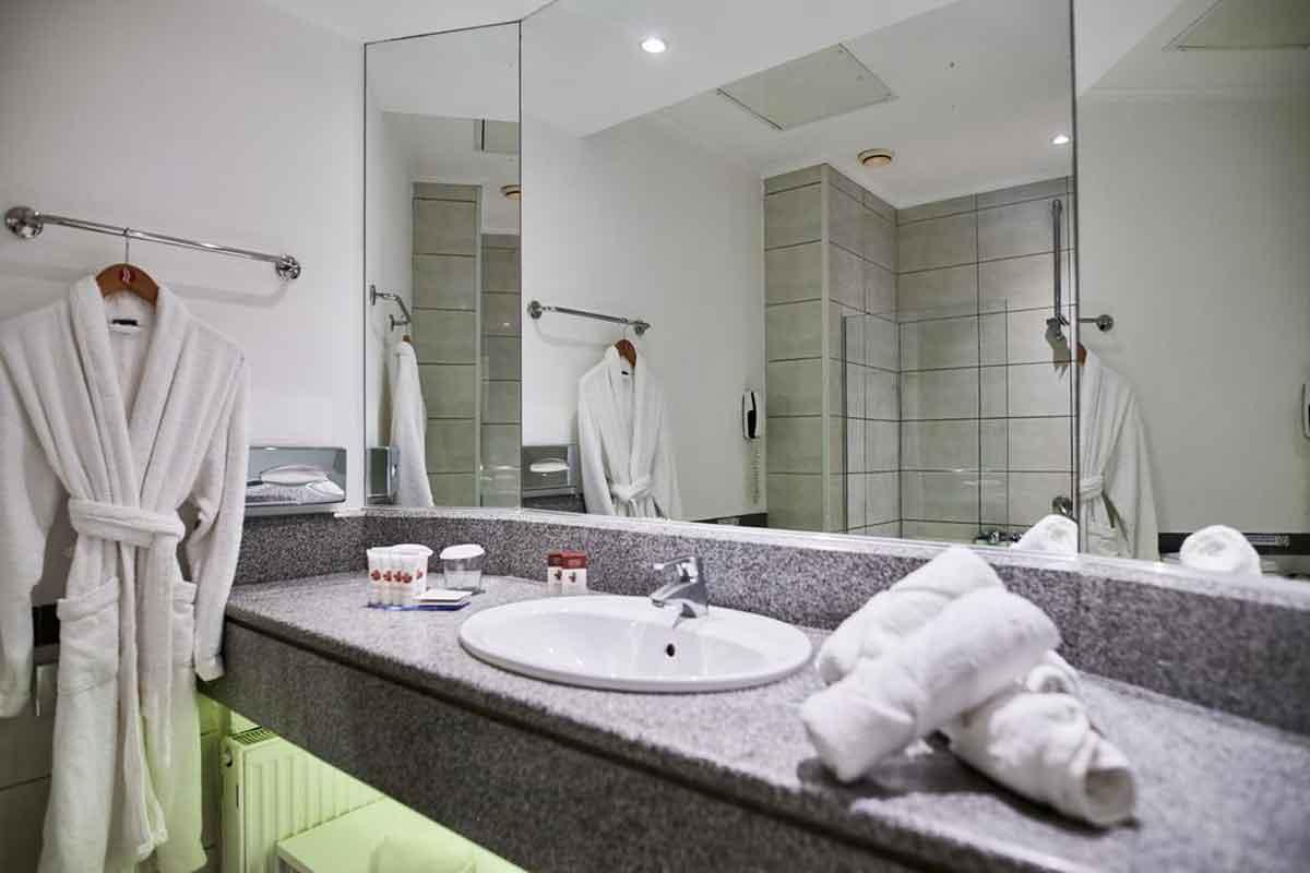 Ramada Thraki Plaza kupatilo
