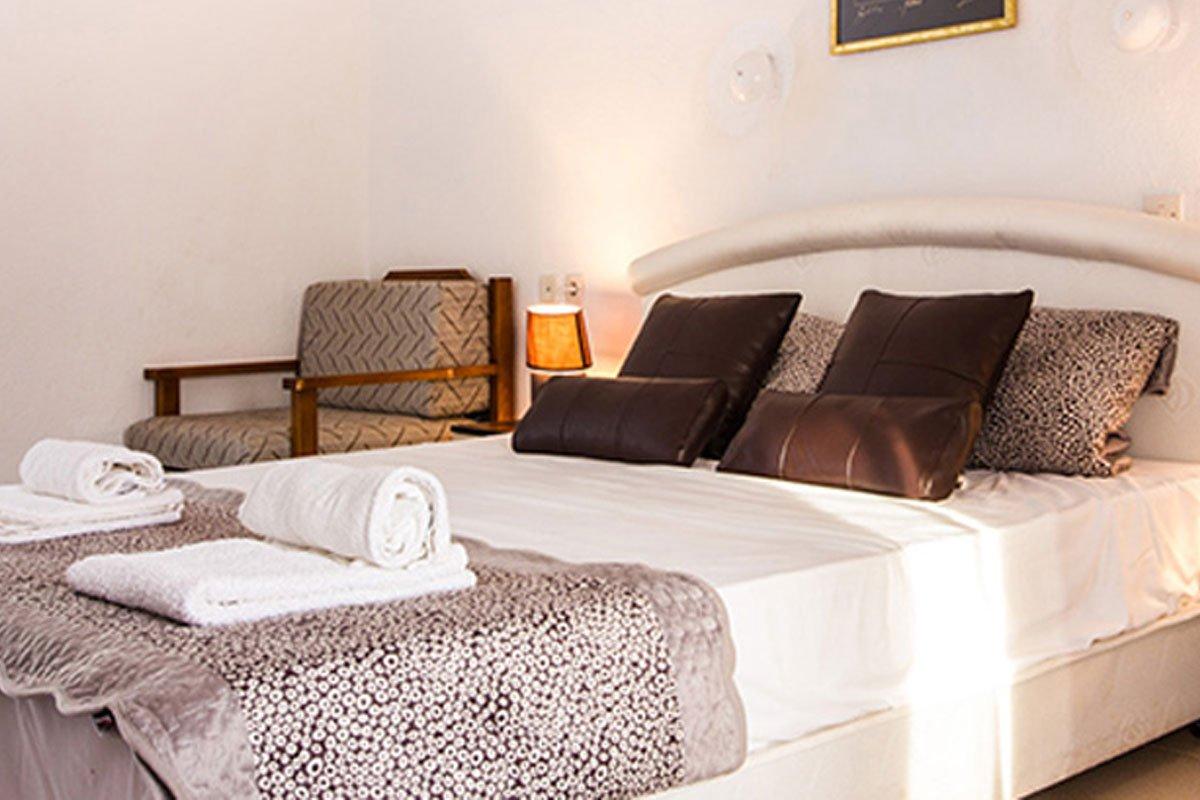 Hotel Koviou Holiday Village sobe