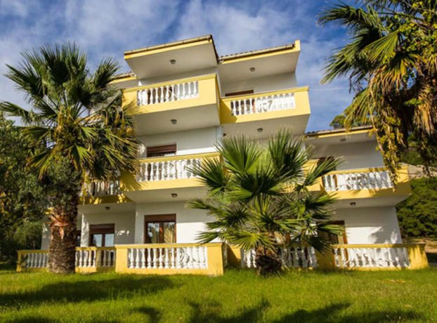 Hotel Koviou Holiday Village spolja