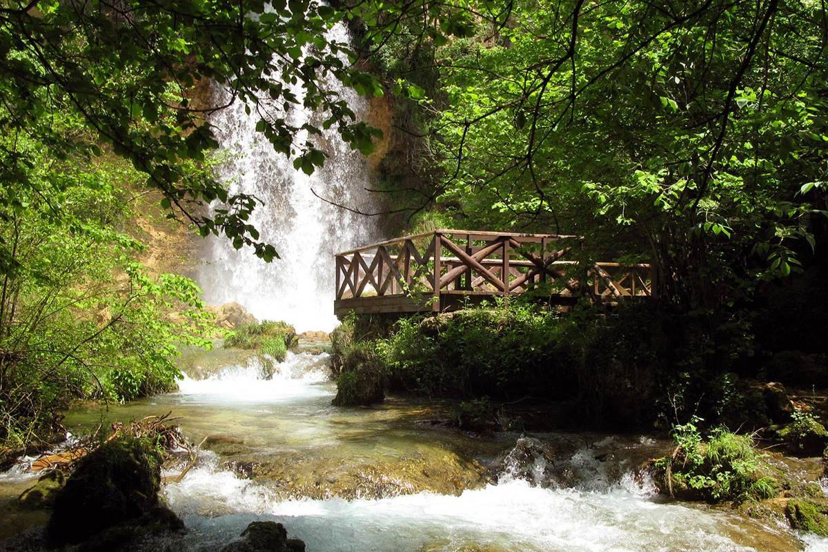 Manastir Manasija - Resavska pećina - Park maketa - Lisine - Veliki Buk - Izleti - AquaTravel.rs
