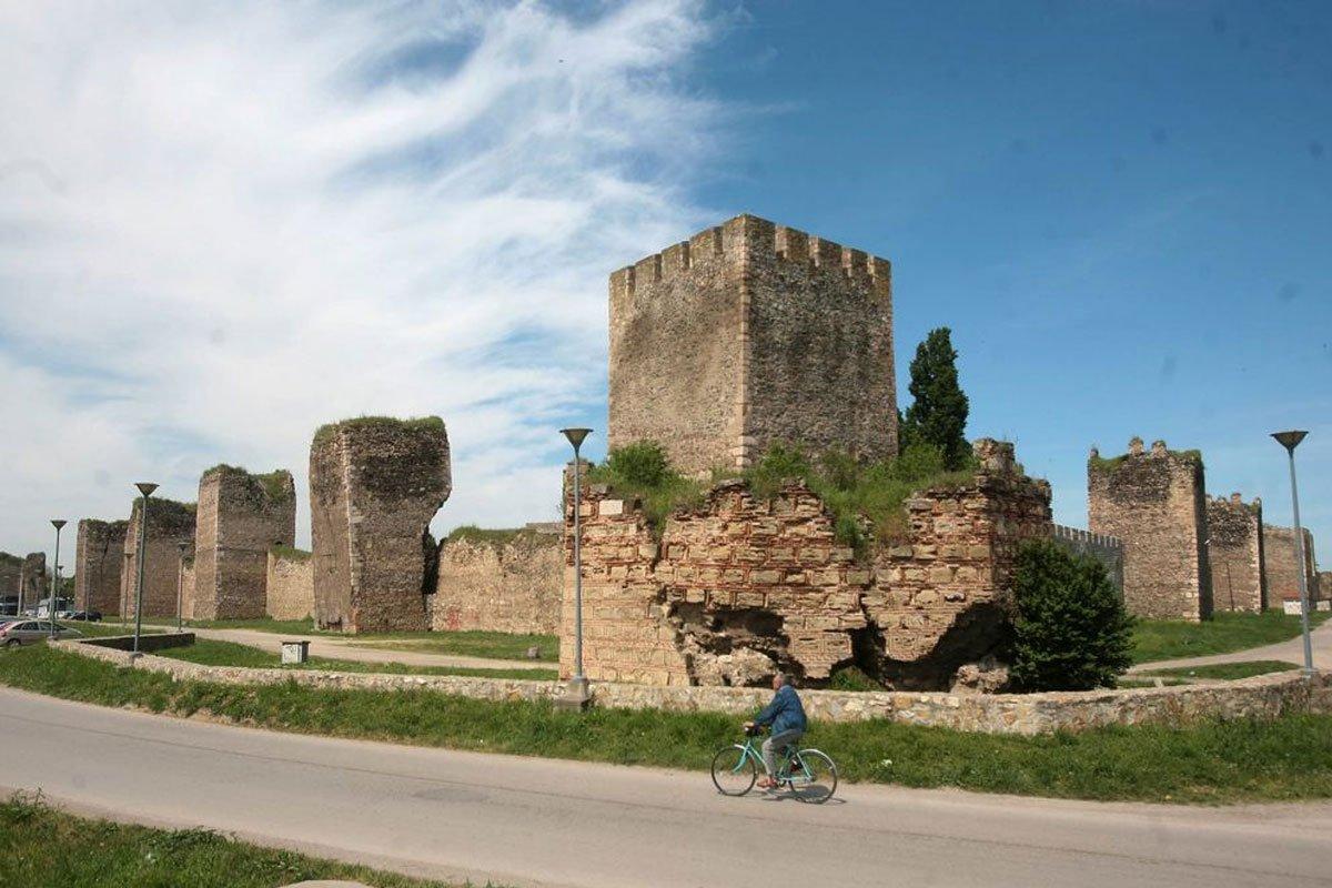 Smederevska tvrđava - vila Zlatni breg - Srebrno jezero - Jednodnevna putovanja, Srbija - AquaTravel.rs