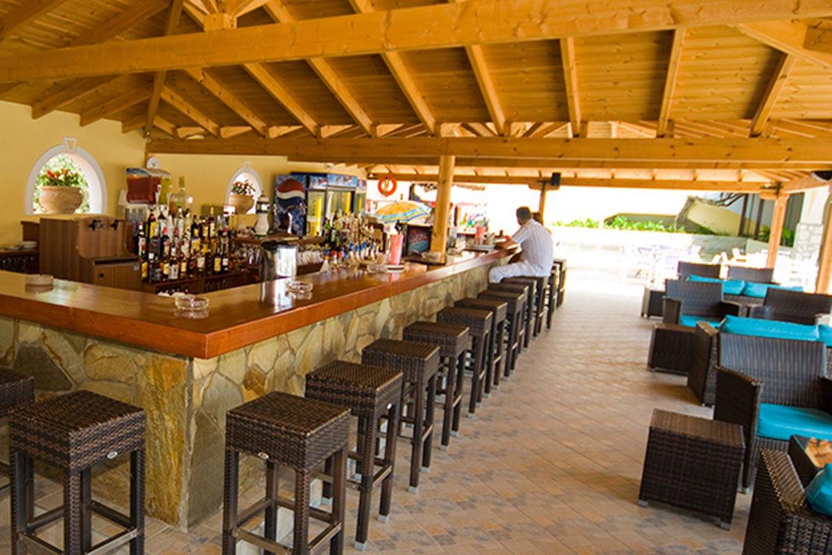 Village Mare bar