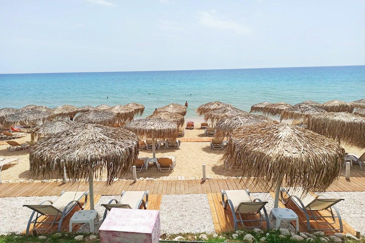 Plaža u mestu Vrahos
