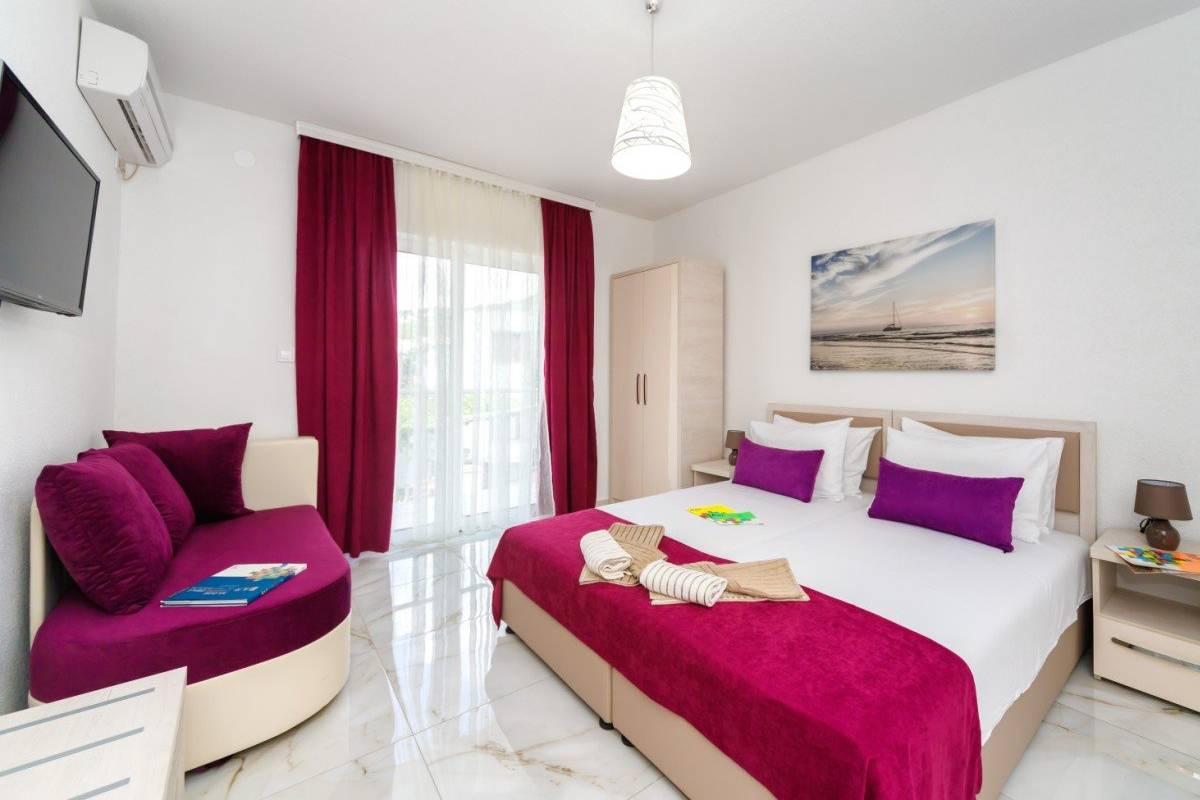 Apartmani Hotel Adria