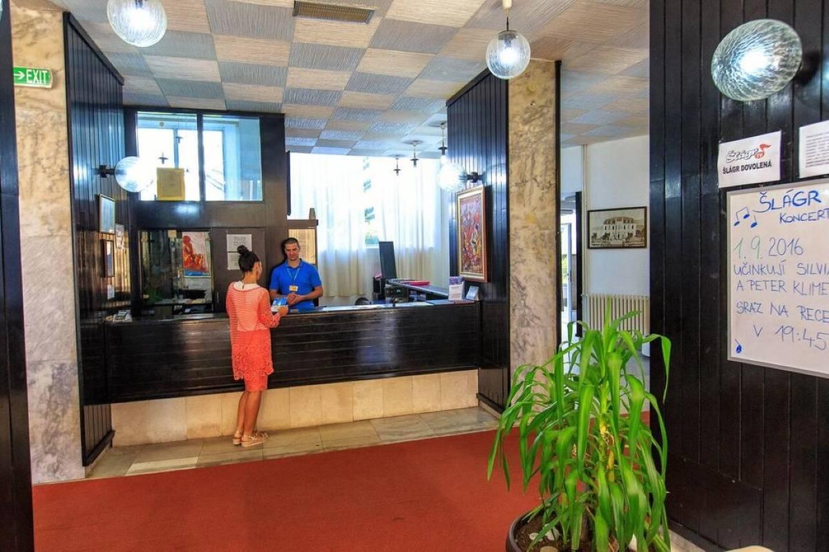 Hotel Korali, hotelski smeštaj u Sutomoru