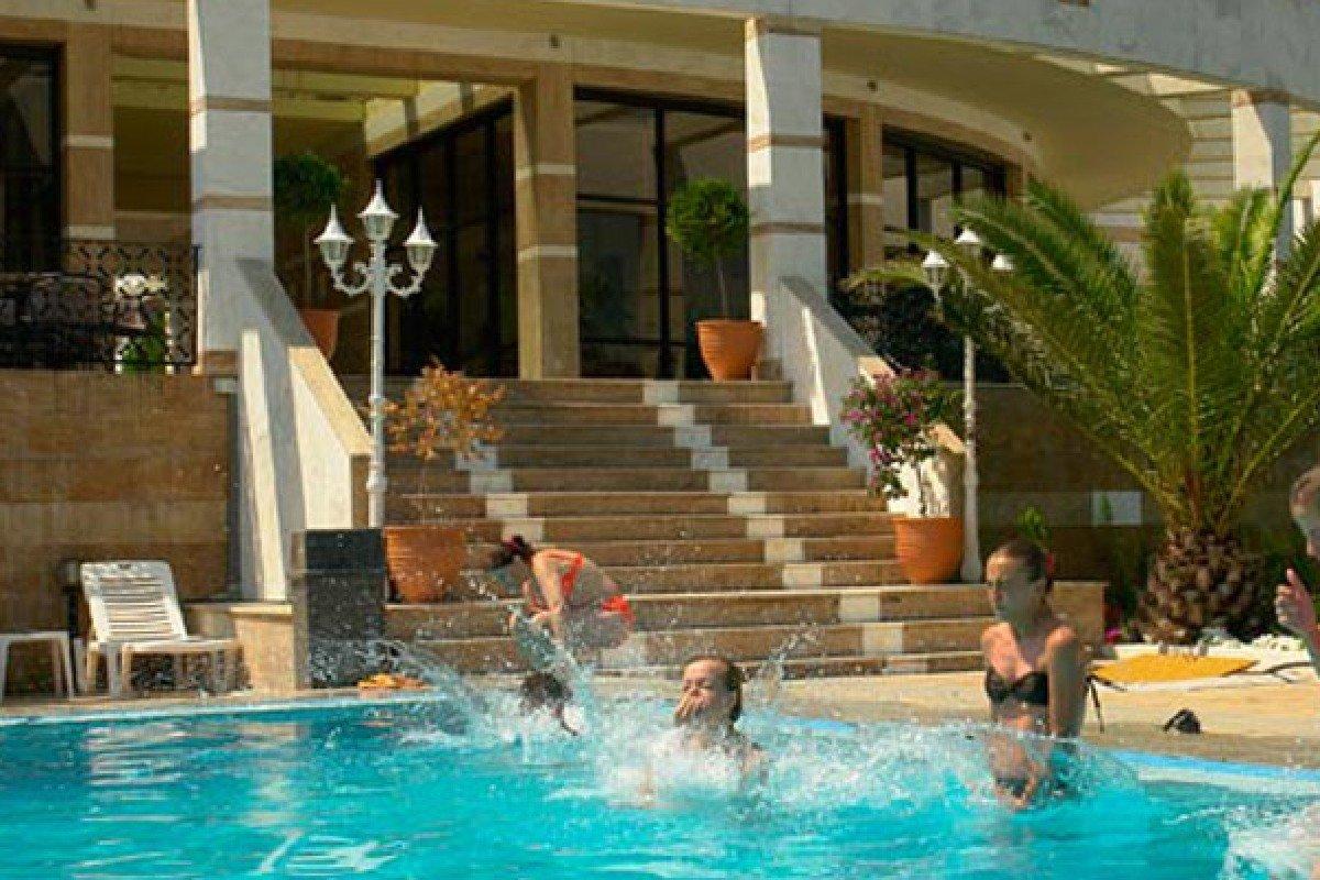 Hotel Rema bazen