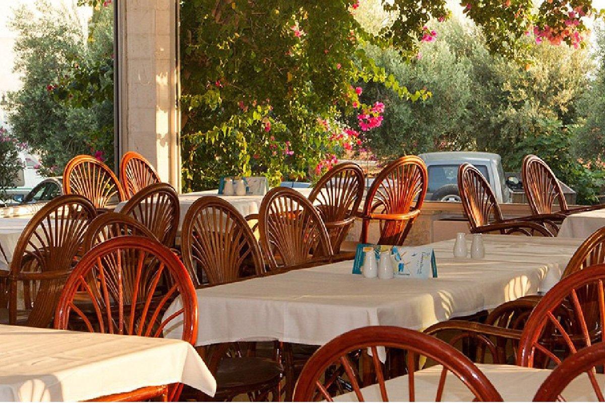 Hotel Xenios Loutra beach odmor