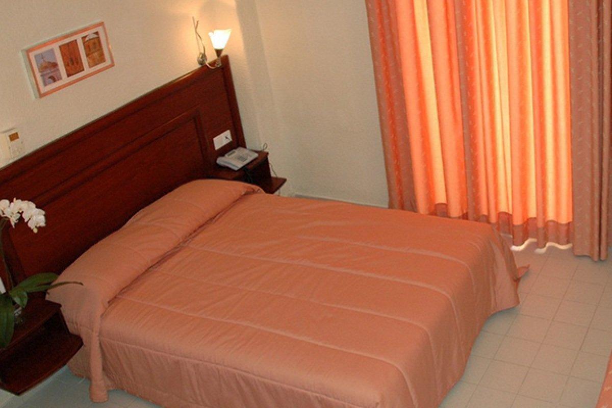 Hotel Xenios Loutra beach smeštaj