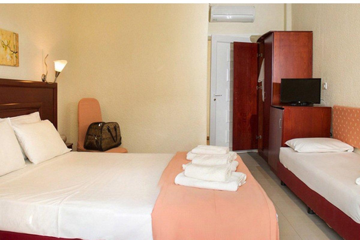 Hotel Xenios Loutra beach sobe
