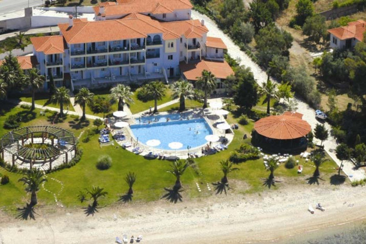 Hotel Lily Ann Beach spolja