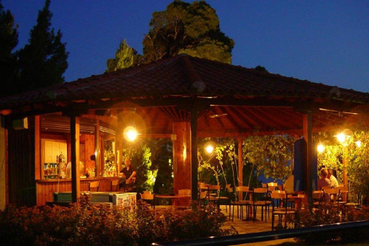 Hotel Lily Ann Beach restoran